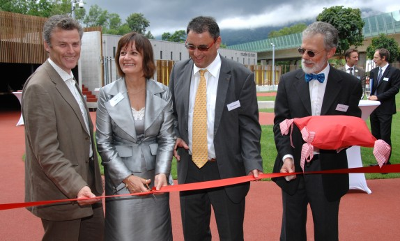 Inauguration de la crèche de Philip Morris, 2012